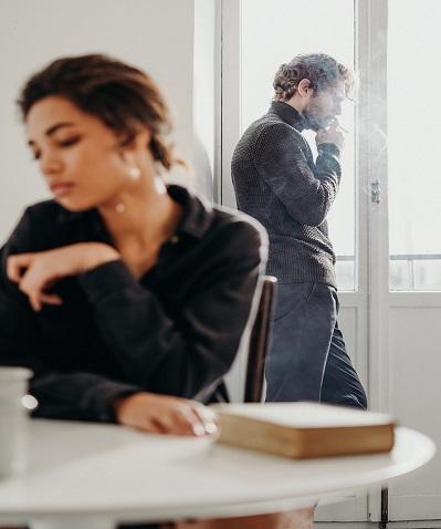 Признаци за намаляване на привличането, проблеми в отношенията и предстояща раздяла